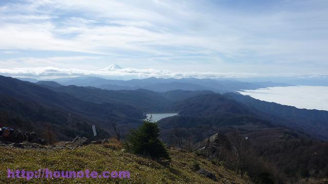2016-11-20 11.23.15 大菩薩 遠くに富士山