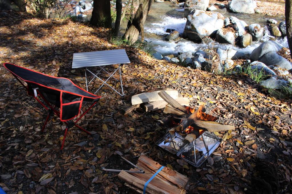 キャンプ道具 テーブル イス 焚き火台